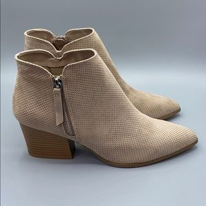 Qupid Taupe Stacked Pointed Toe Ankle Bootie 10